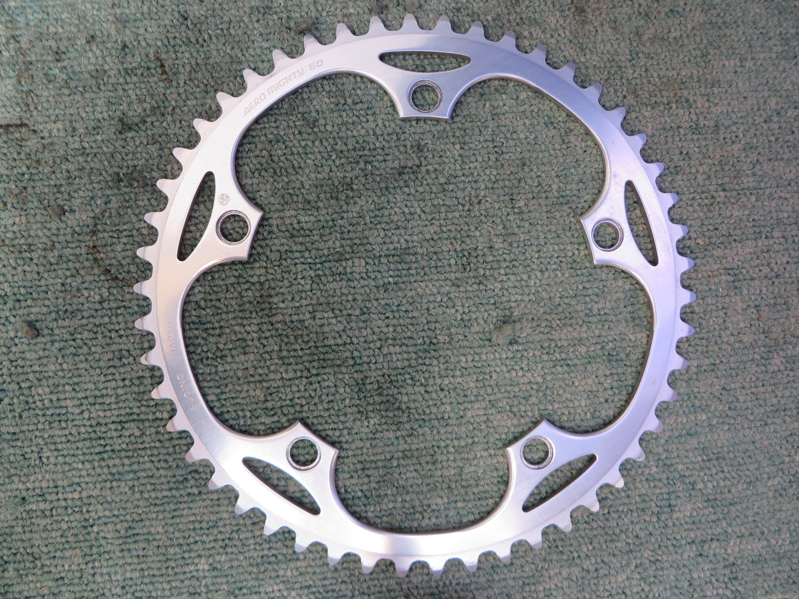 "Sugino Aero Mighty 1/8"" 144BCD NJS Chainring 50T (15071234)"