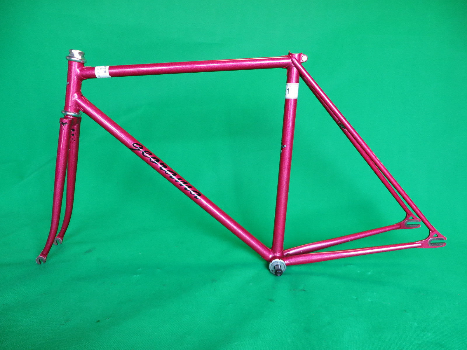 GEORAMA // shot pink metallic // 51.5cm