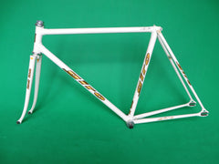 Giro White w Gold flake #3 (52.5cm)