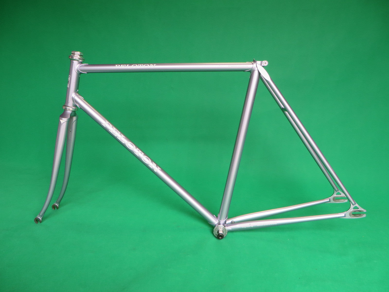 PELOTON | purplish-silver metallic | 52cm