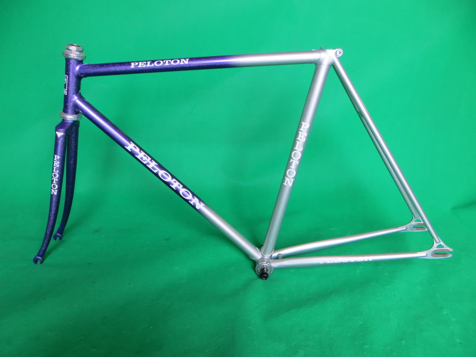 PELOTON // silver purple fade with rainbow flake // 52cm
