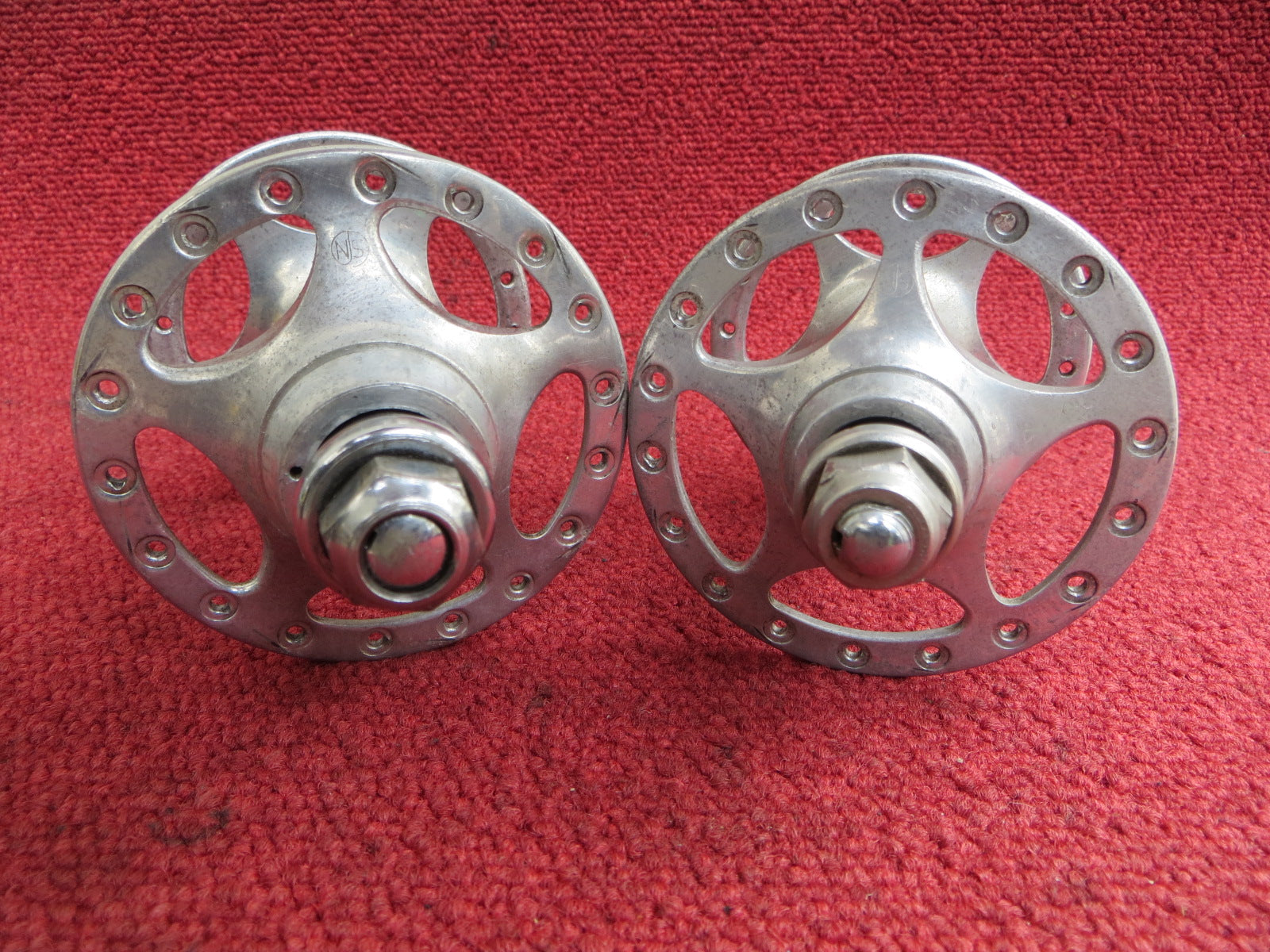 Campagnolo C-record Sheriff Star 120mm NJS Hub set (18040201)