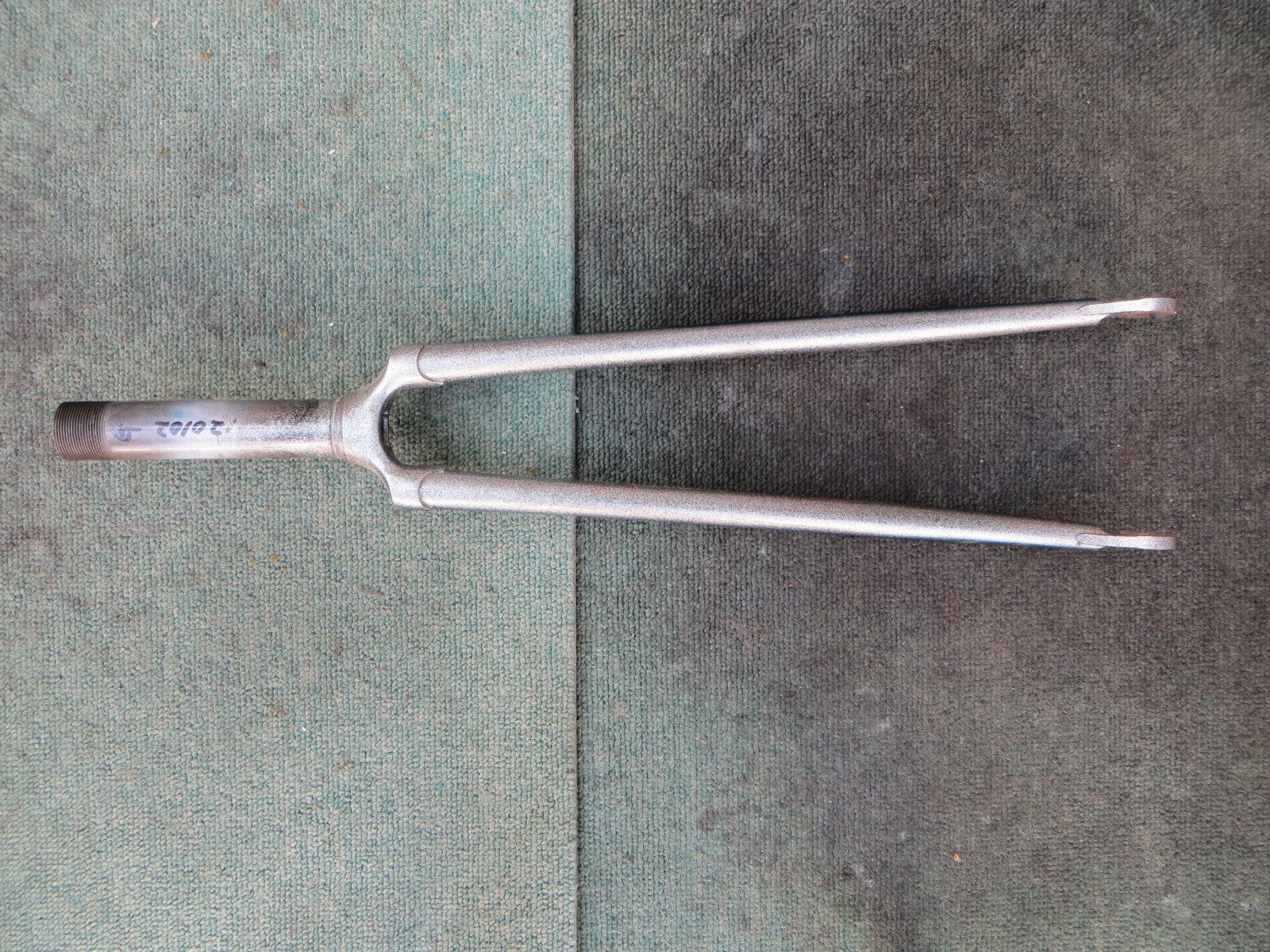 Georama Front Fork 117mm Steering Colum Length /9mm Axle Slot