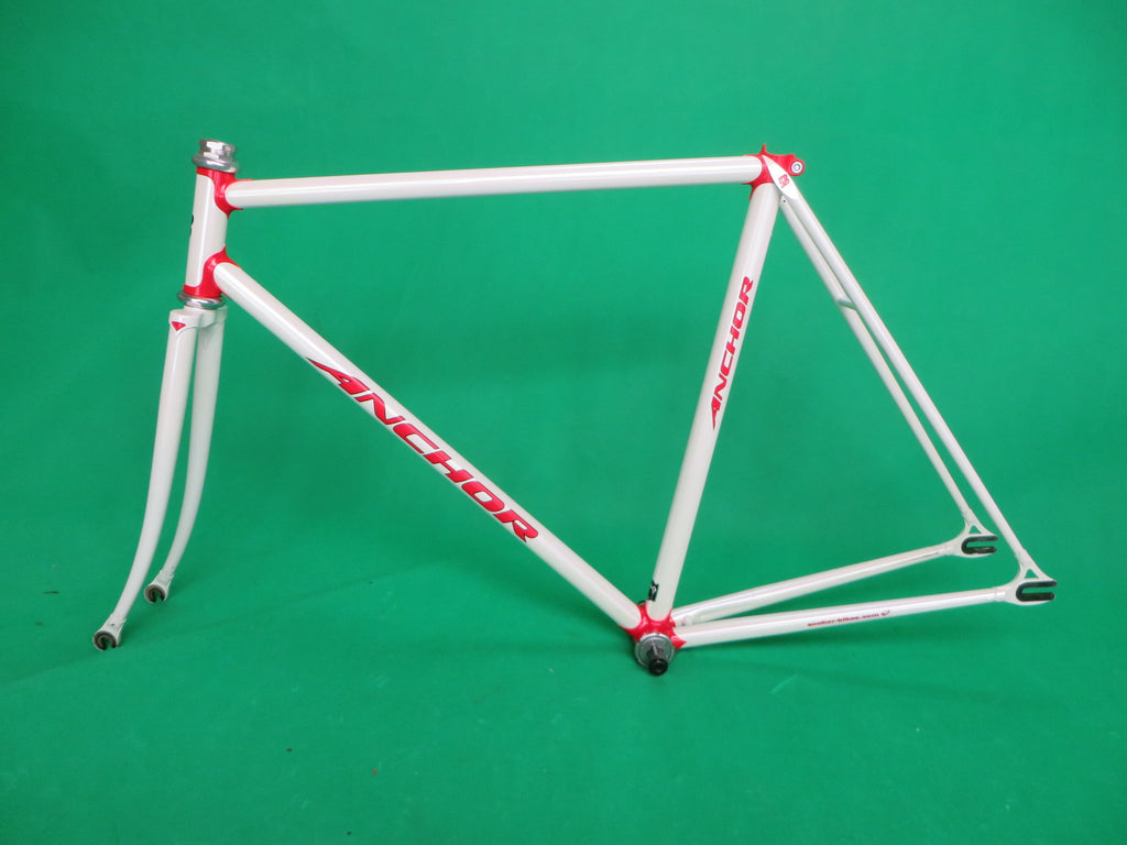 Anchor  // White Red Lugs // //  52cm