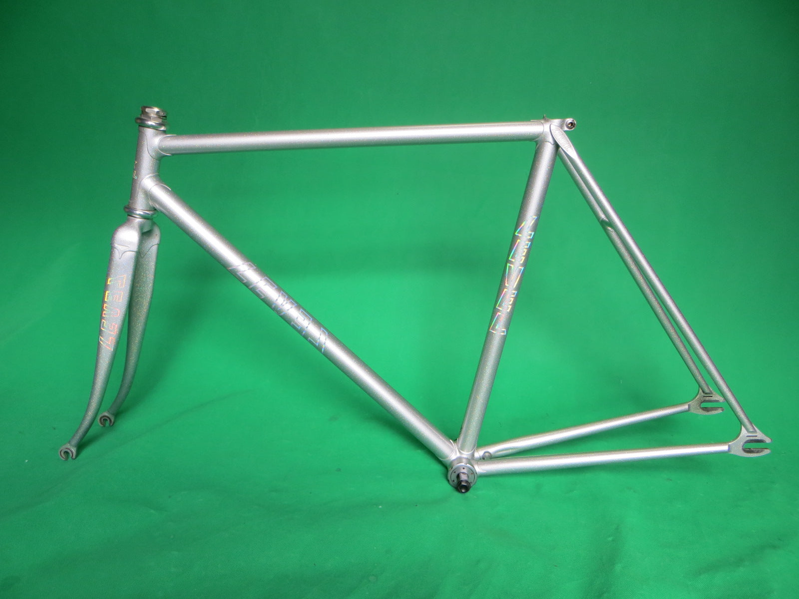LeveL // Silver + Rainbow Flake : Columbus Max Fork // 51cm