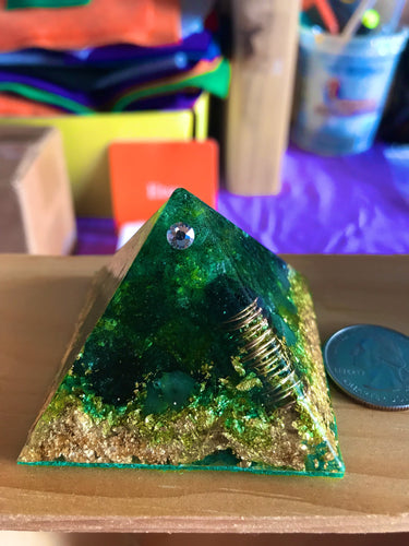 GIA - MINI EARTH ORGONE, ORGONITE PYRAMID