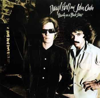 DARYL HALL & JOHN OATES - Beauty On A Back Street