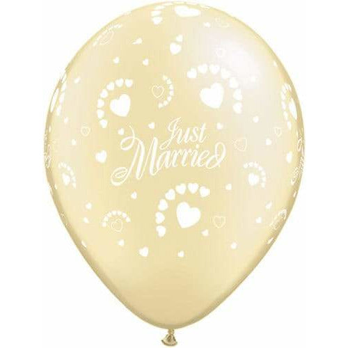 Just Married Hearts Latex Balloons x25