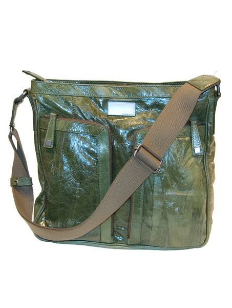 Shoulder Bag in Green - Universal