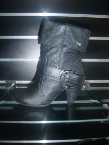Ladies Designer Fashion Boots by Hoyvoy with Stylish Turn Down Effect in Black