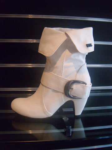 Ladies Designer Fashion Boots by Hoyvoy with Stylish Turn Down Effect in White