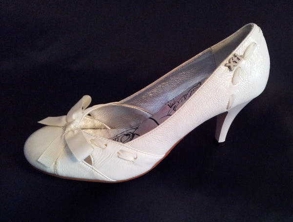 Ladies Designer Fashion Shoes by XTi Court Style High Heel in White