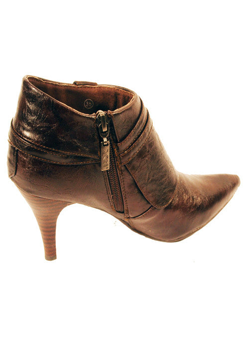 Boots by XTi Ankle Lady Pu in Brown