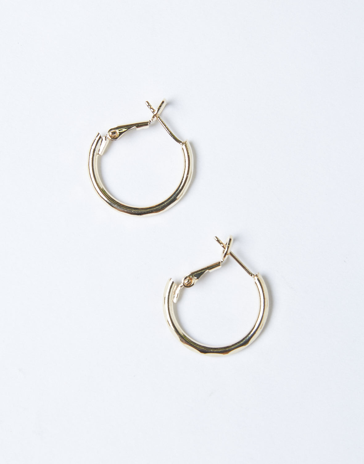 Essential Simple Hoop Earrings