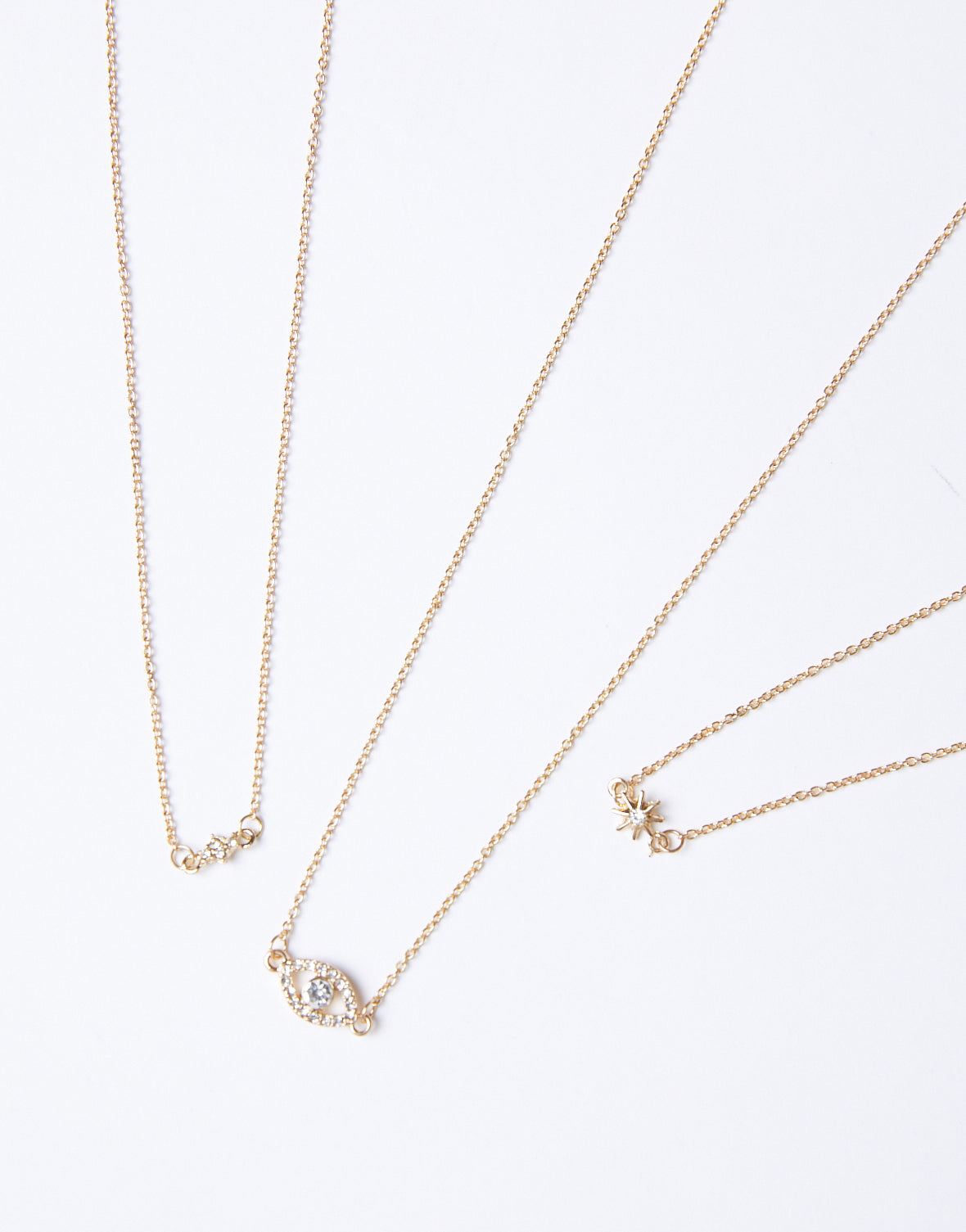 Eye On The Stars Necklace Set