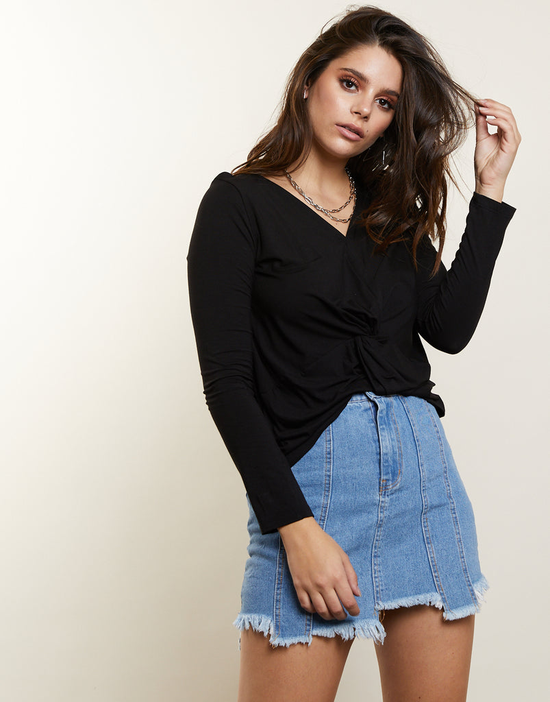 Loves Me Knot Top Tops Black Small -2020AVE