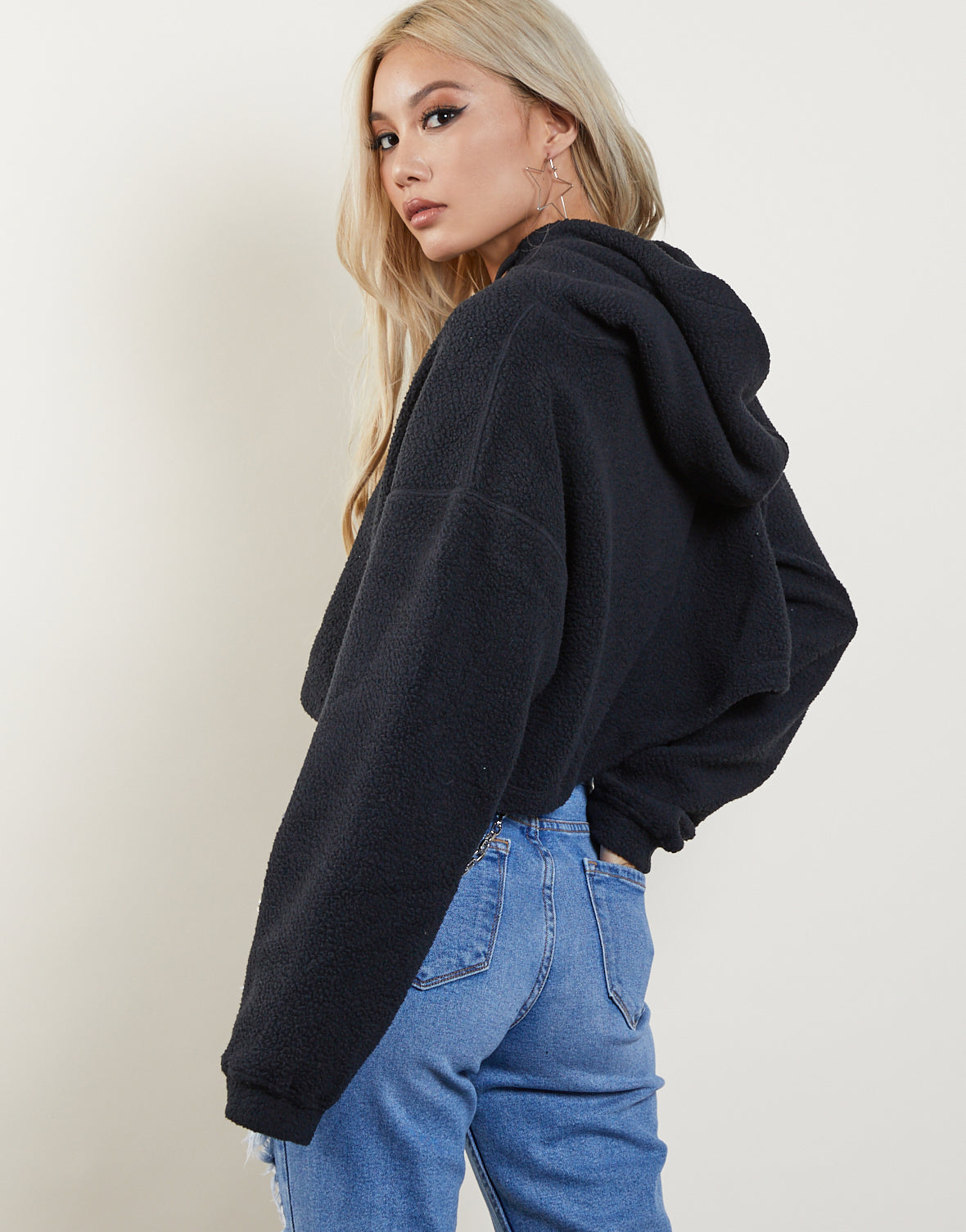 Must-Have Cropped Fuzzy Hoodie