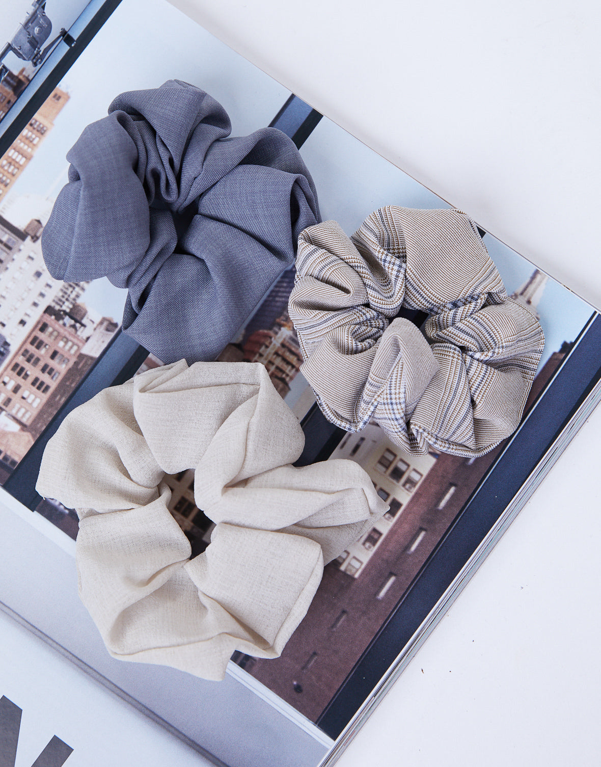 Neutral Plaid Scrunchie Set