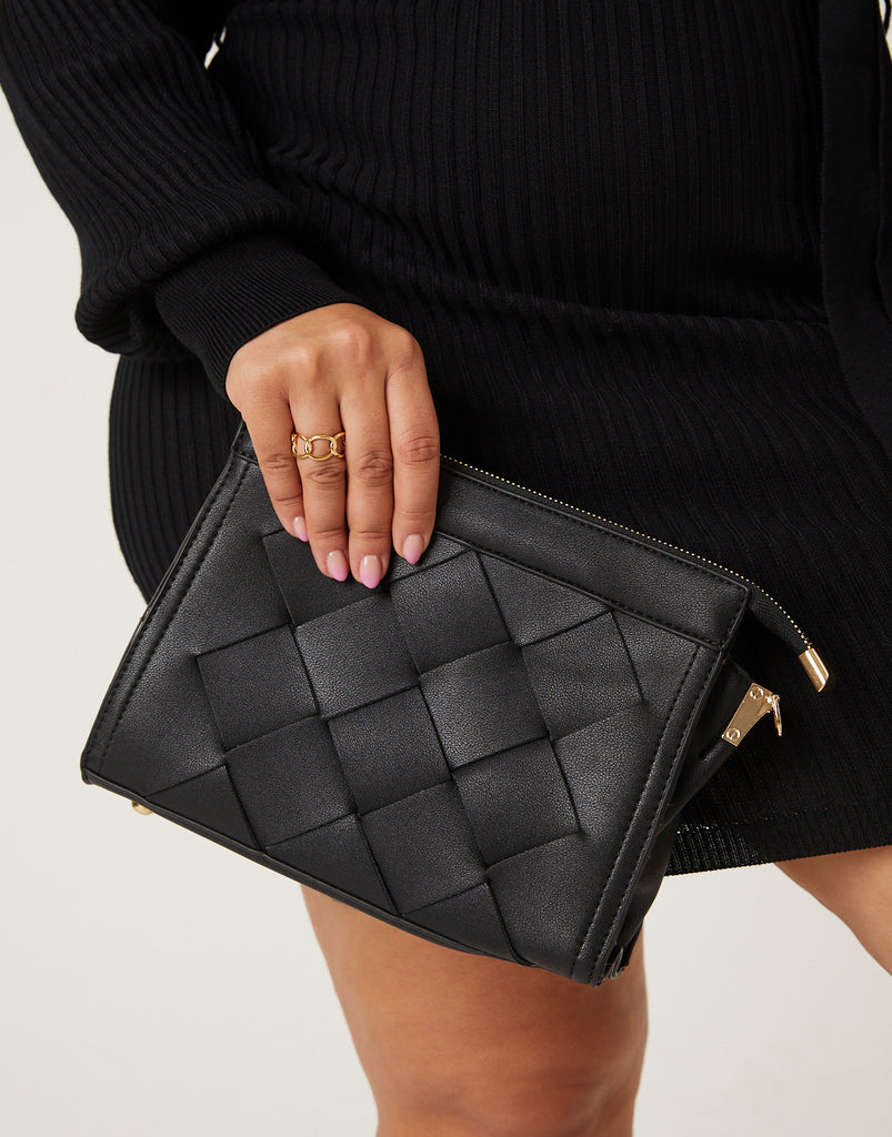 On The Go Woven Clutch Accessories Black One Size -2020AVE