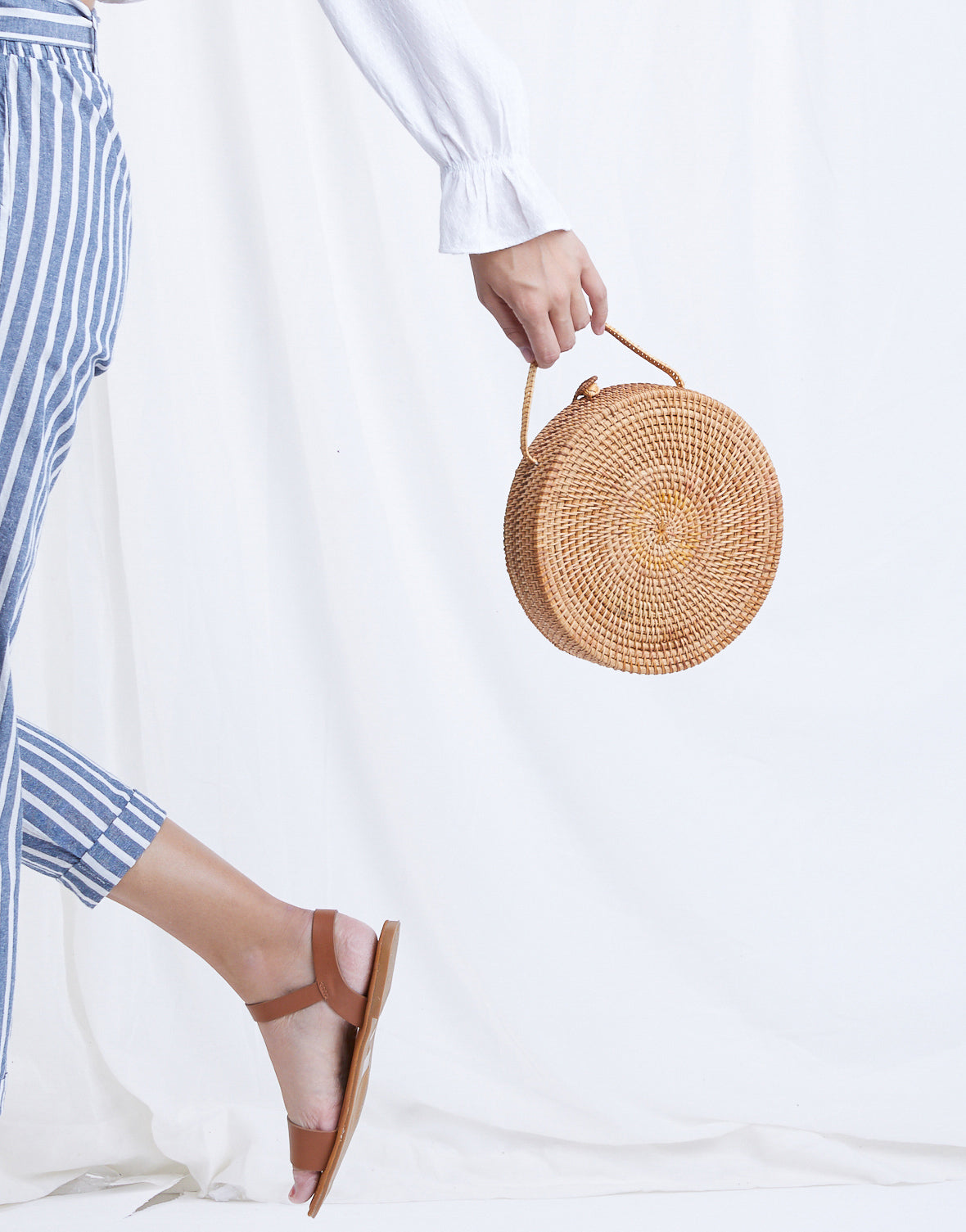 On Vacation Round Straw Bag