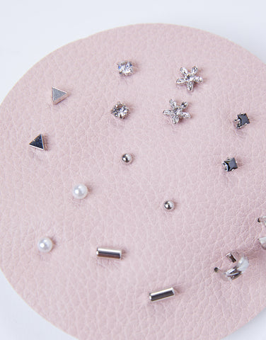 See Why Stud Earring Set