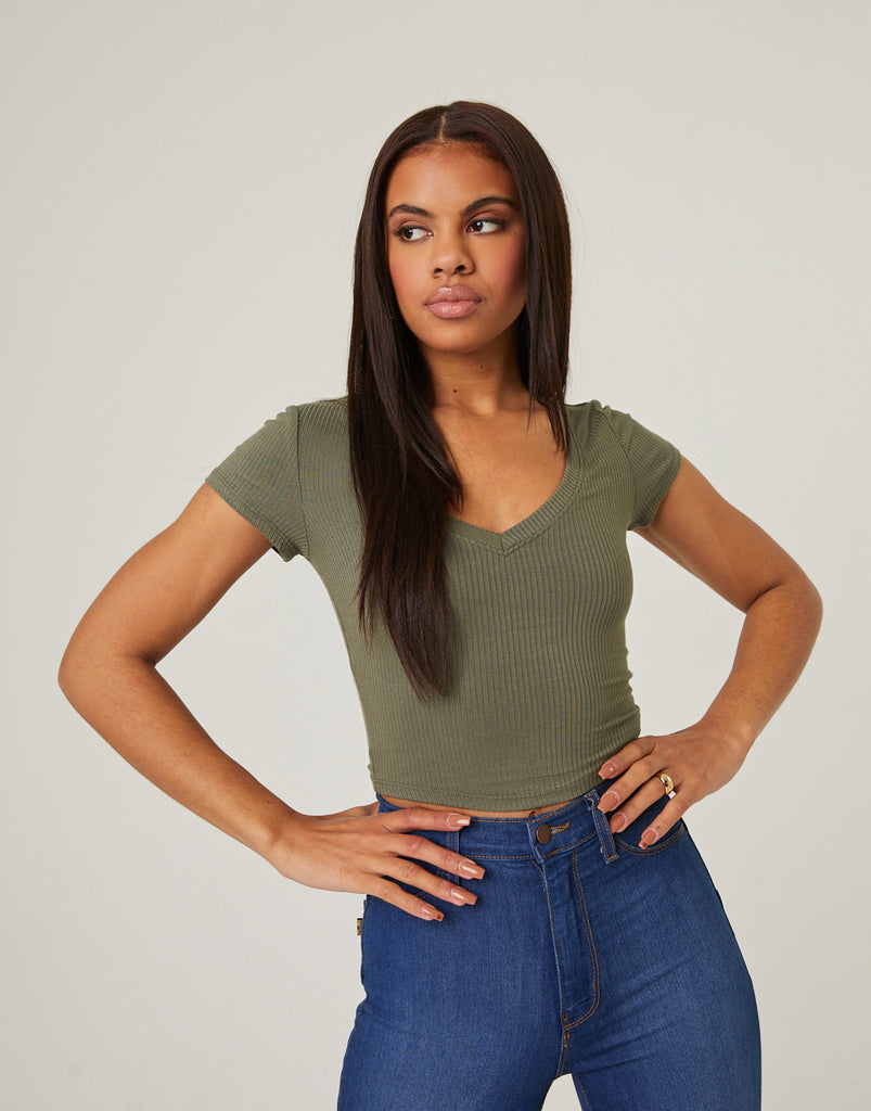 Simple V-neck Crop Top Tops Olive Small -2020AVE