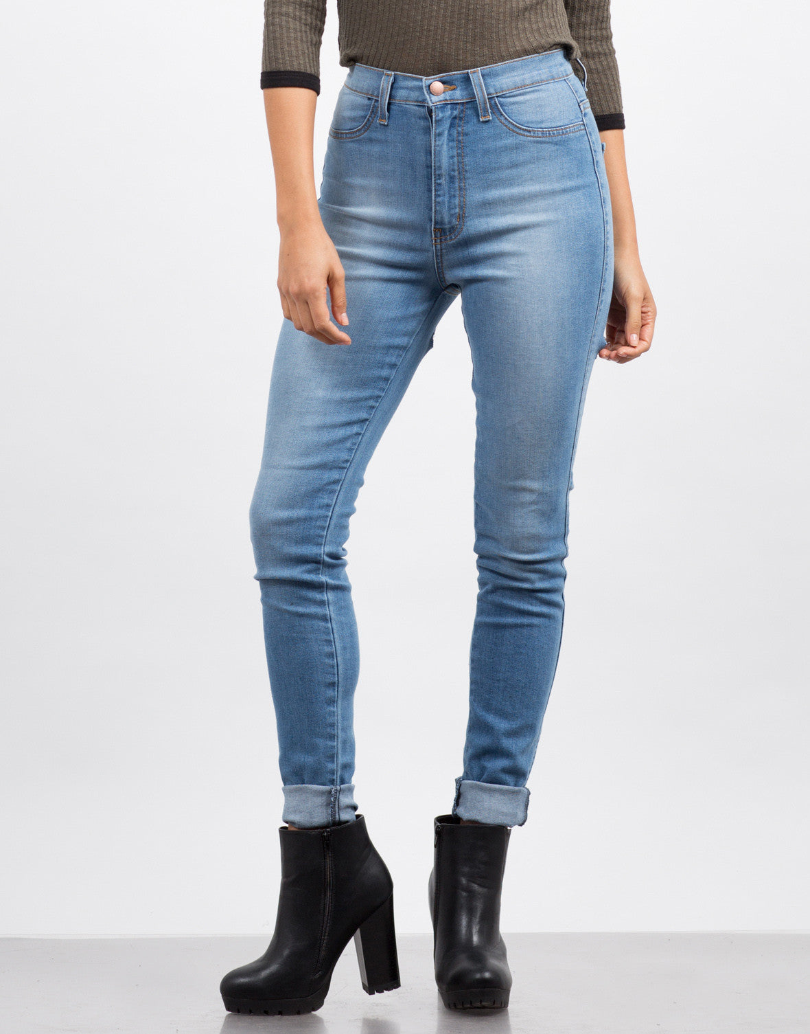 Front View of Back Slit Skinny Jeans