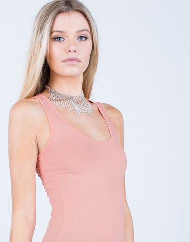 Detail of Basic Round Neck Tank Top
