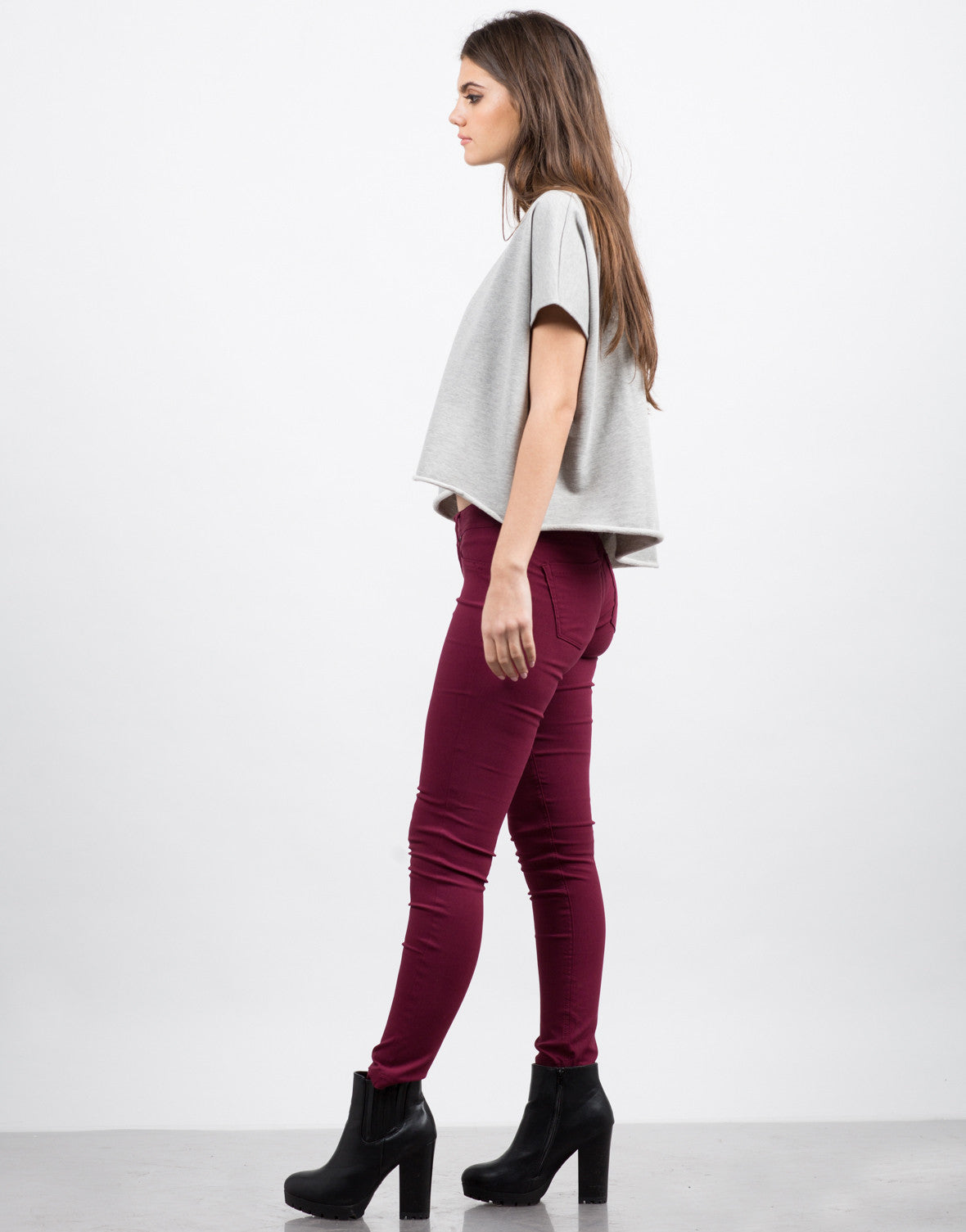 Side View of Basic Stretchy Skinny Pants