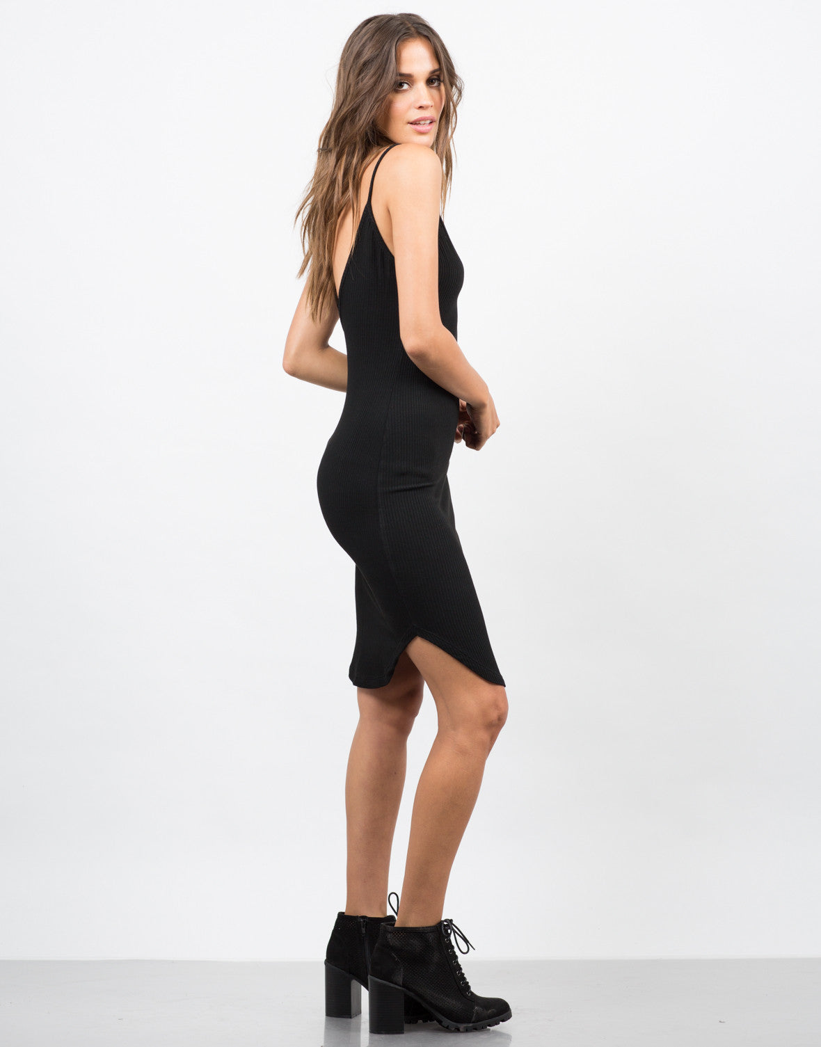 Side View of Basic V-Neck Ribbed Dress