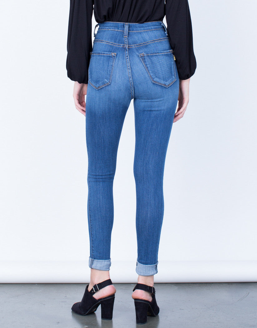 Back View of Buttoned High Waisted Jeans