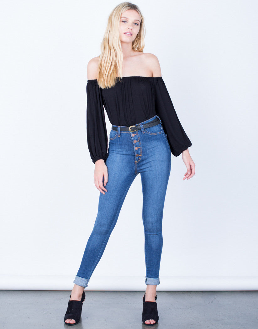 Front View of Buttoned High Waisted Jeans