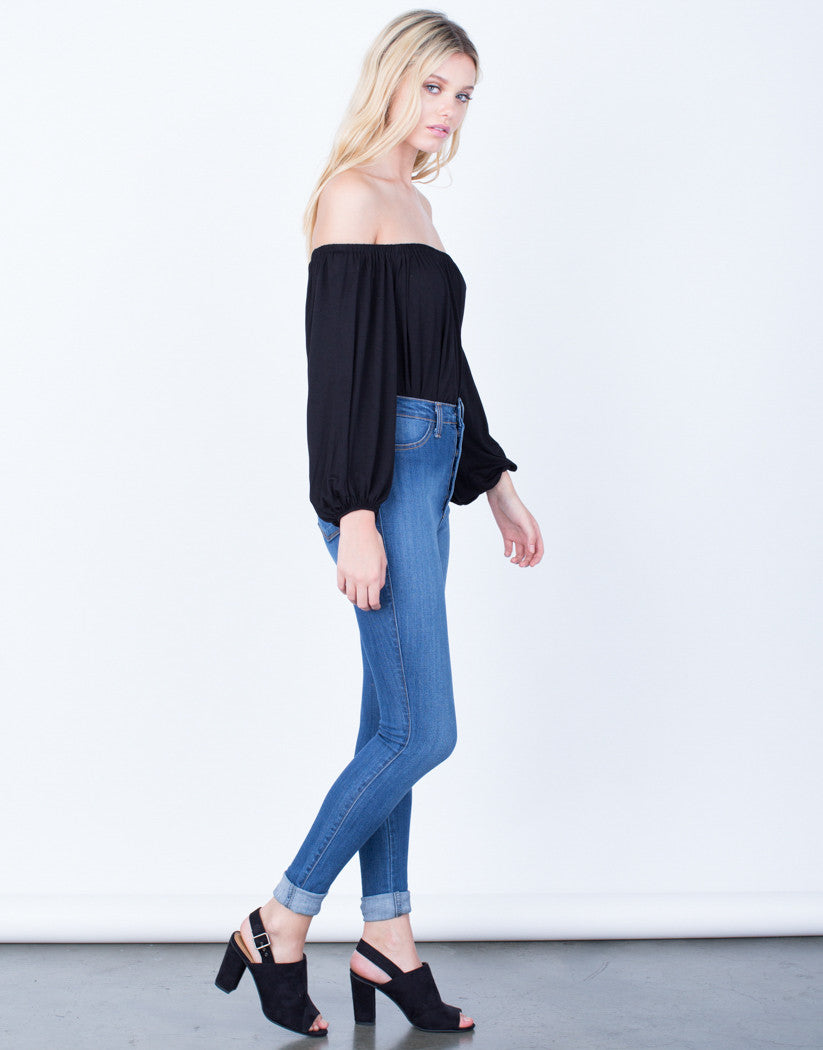 Side View of Buttoned High Waisted Jeans