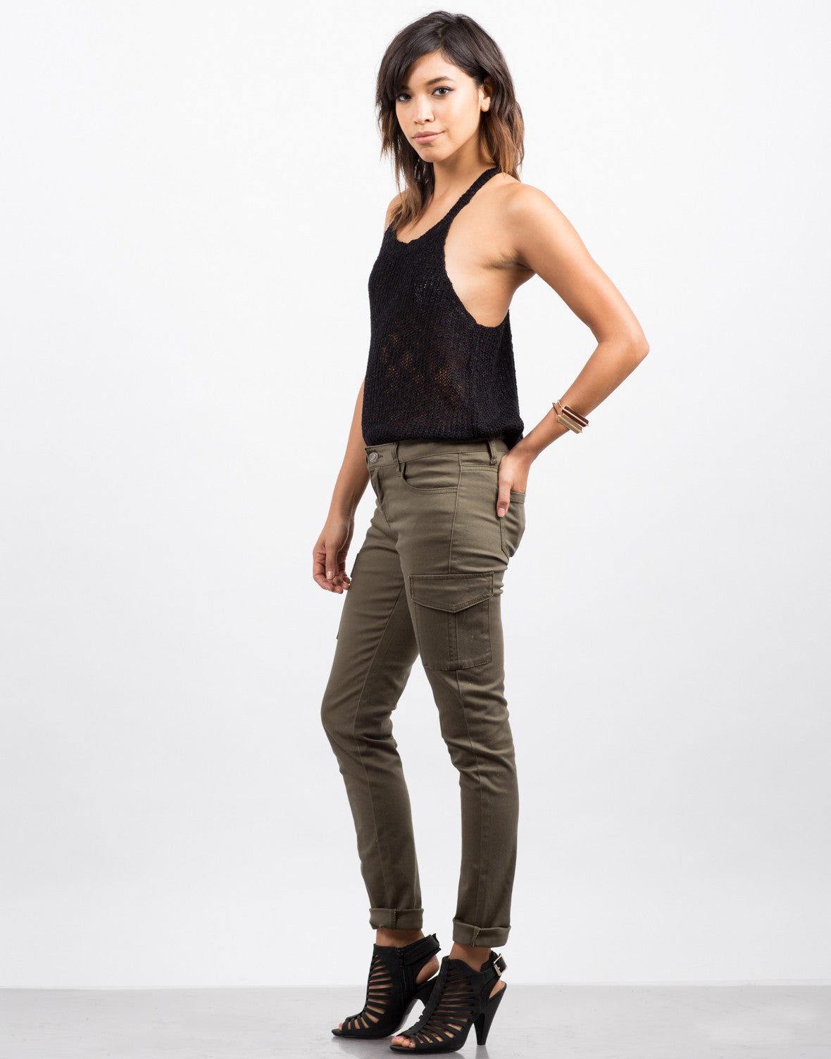 Side View of Cargo Pocket Skinny Denim Pants