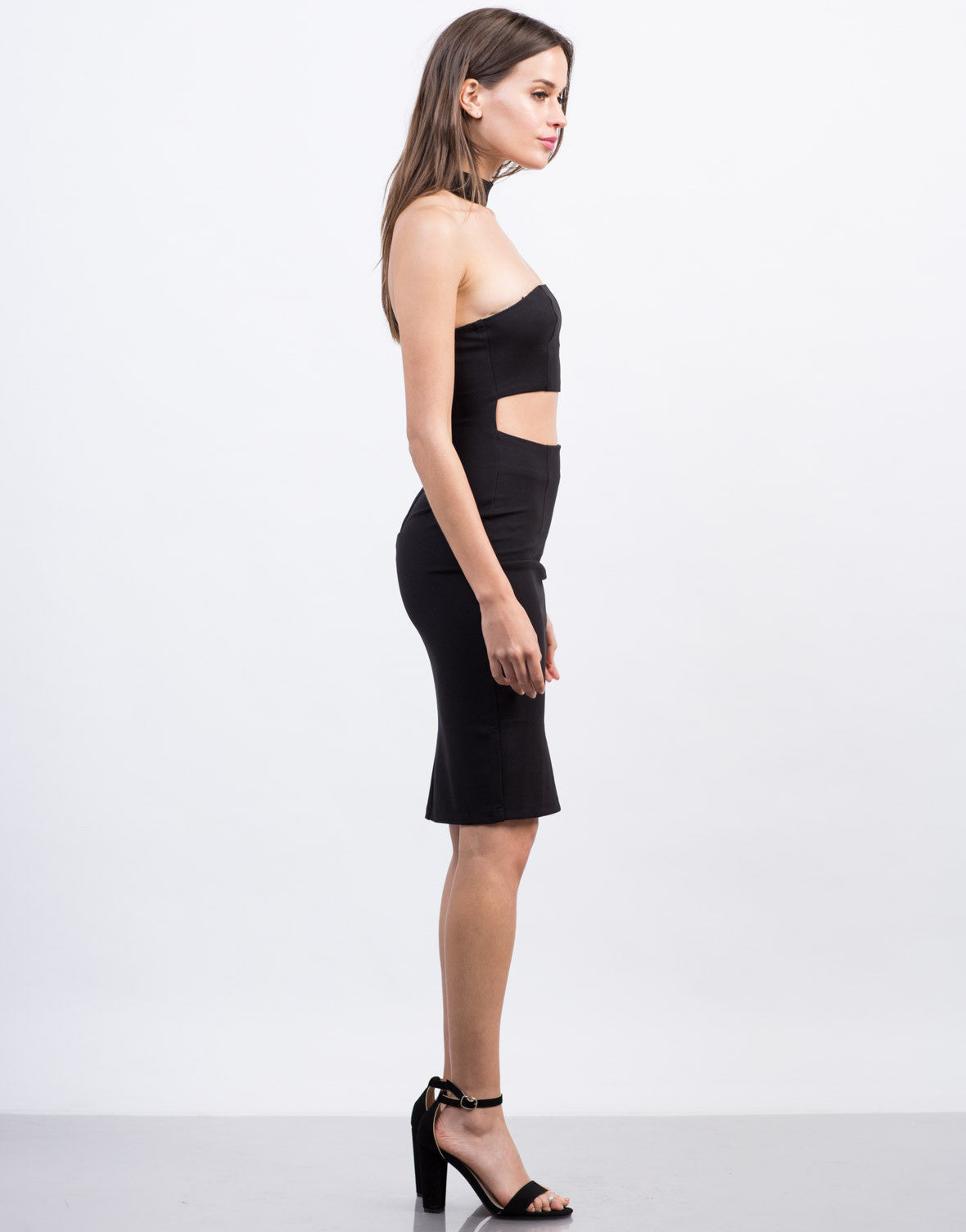 Side View of Choker Banded Dress