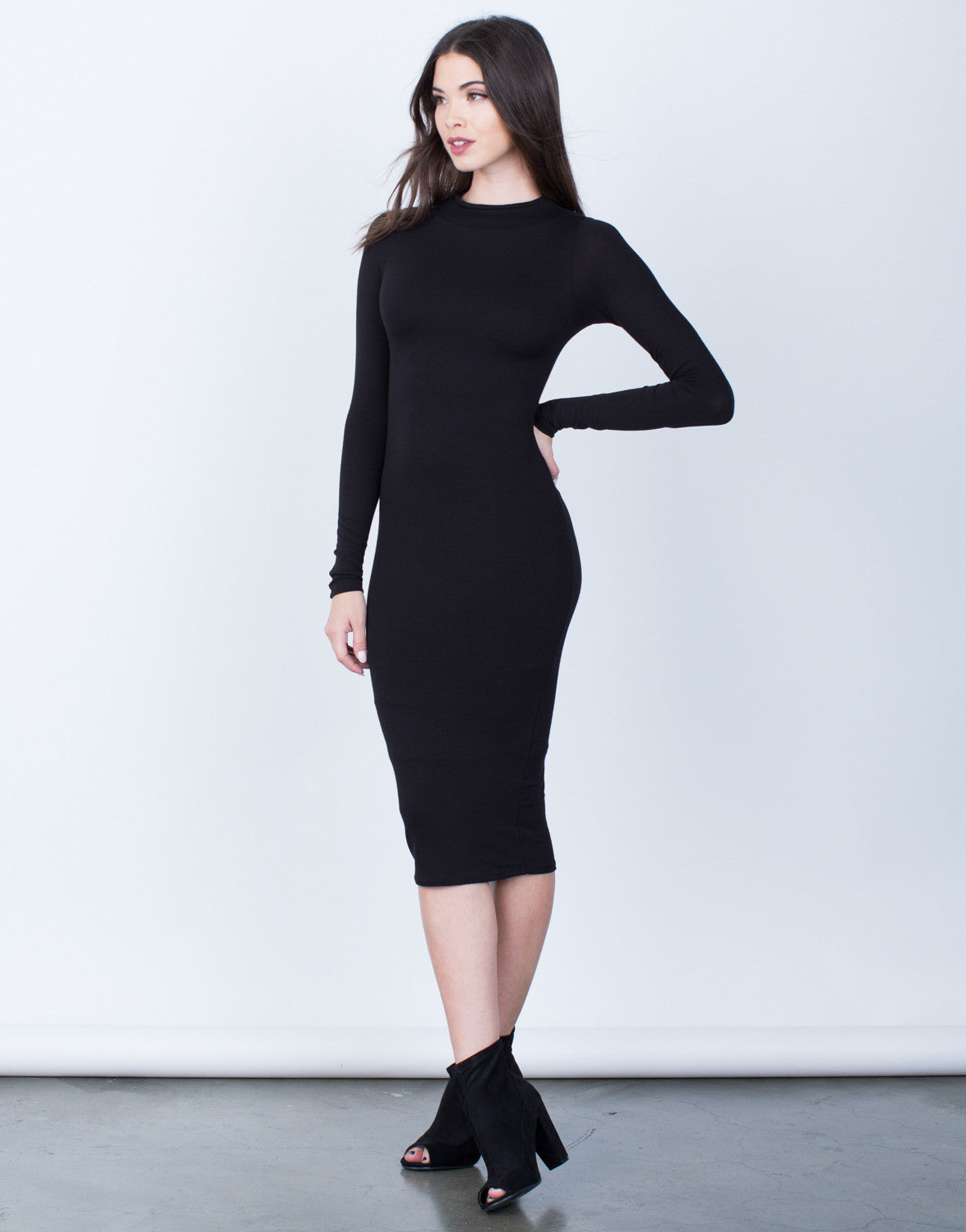 how to wear long black midi knit dress