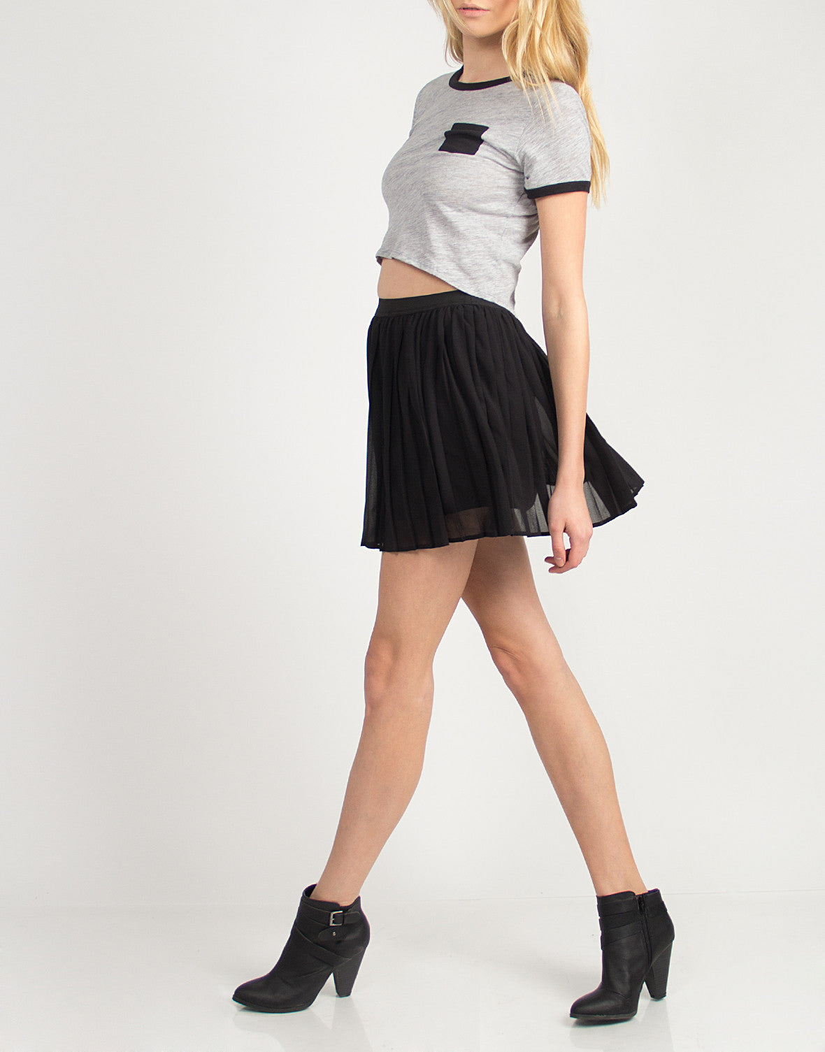 Contrast Pocket Cropped Tee - Black - Large