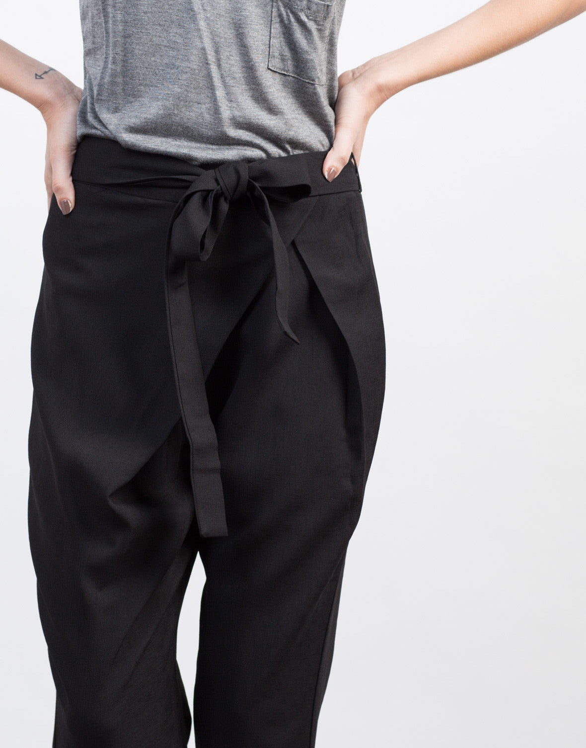 Detail of Crossover Waist Tie Pants