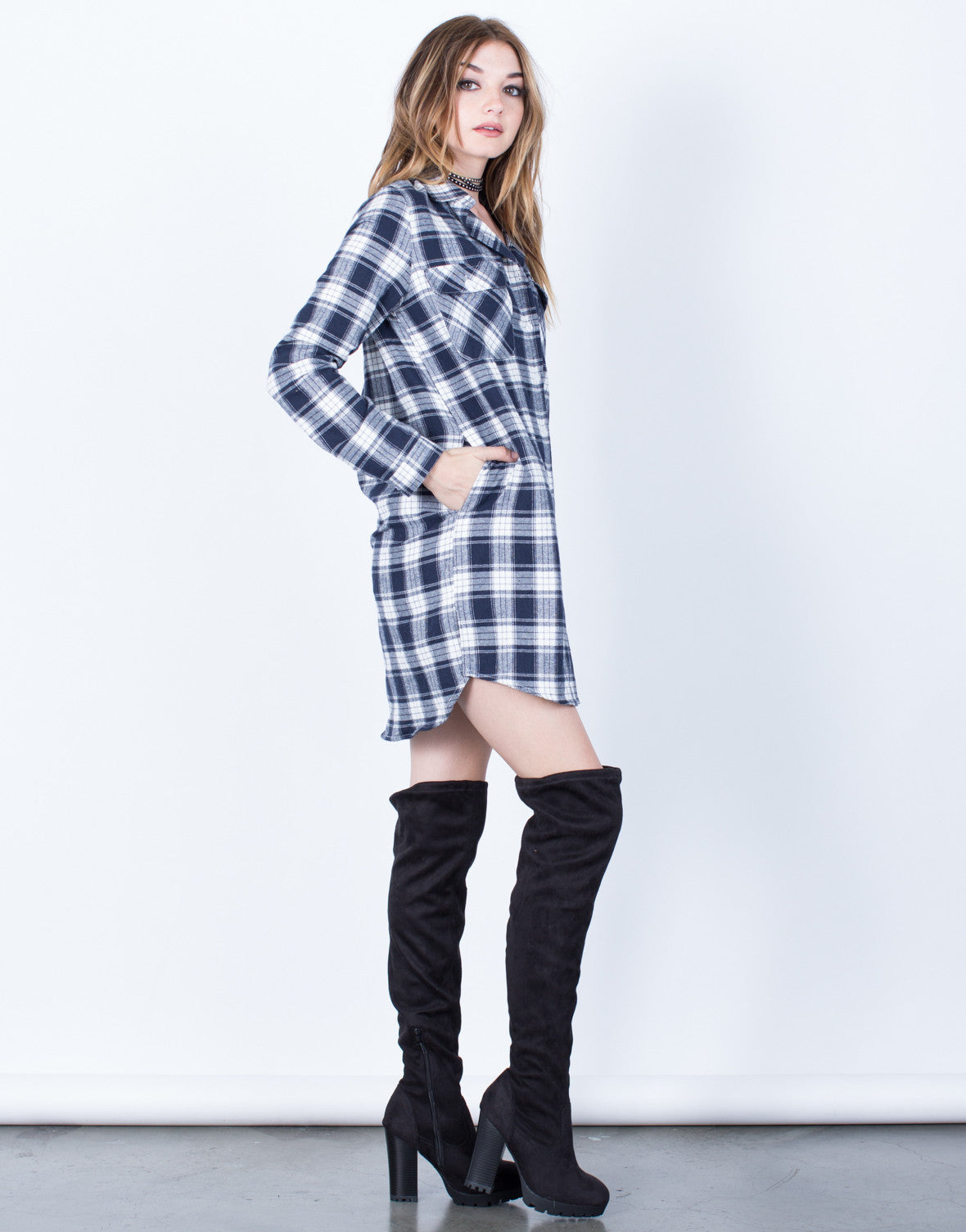 Side View of Double Pocket Plaid Tunic Top