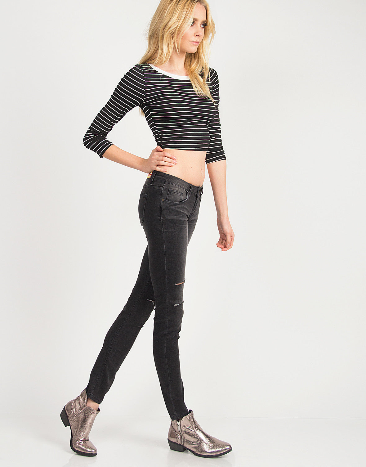 Faded Out Knee Slit Jeans - 2020AVE