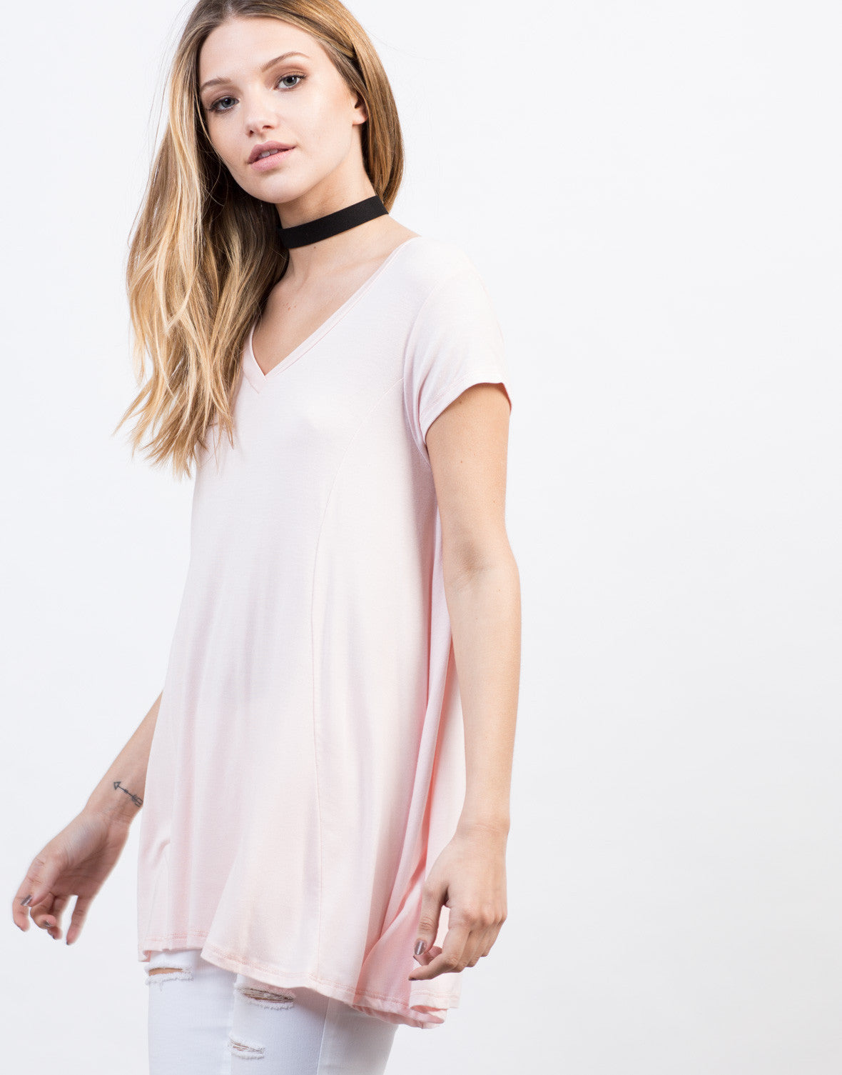 Detail of Flowy V-Neck Basic Tee