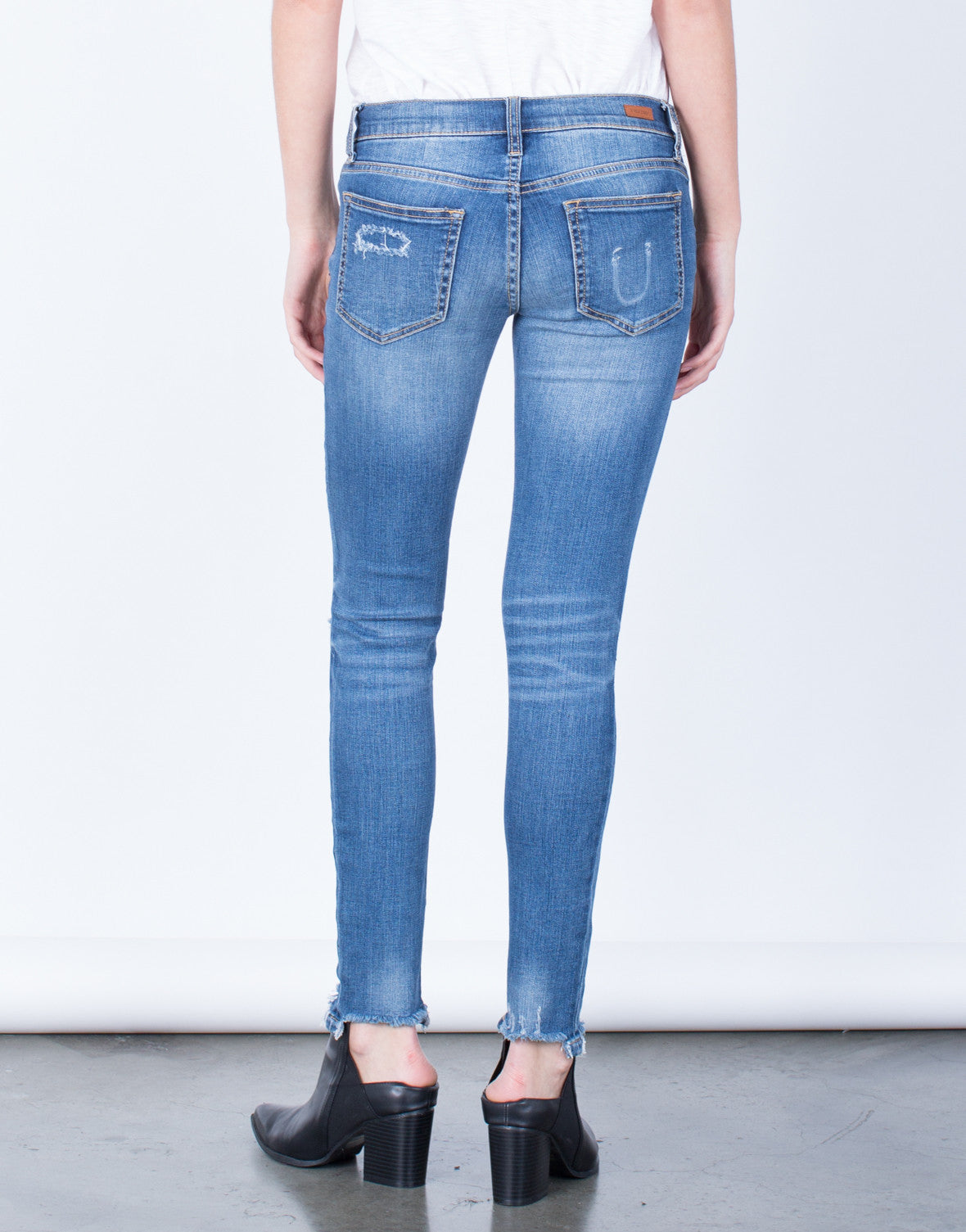 Back View of Frayed Hem Skinny Jeans