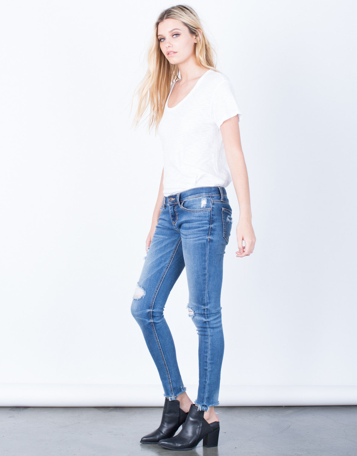 Side View of Frayed Hem Skinny Jeans
