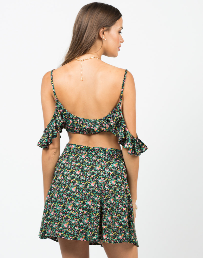 Frilly Floral Cold Shoulder Cropped Top - 2020AVE