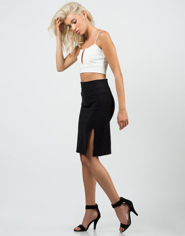 Side View of Front Slit Pencil Skirt