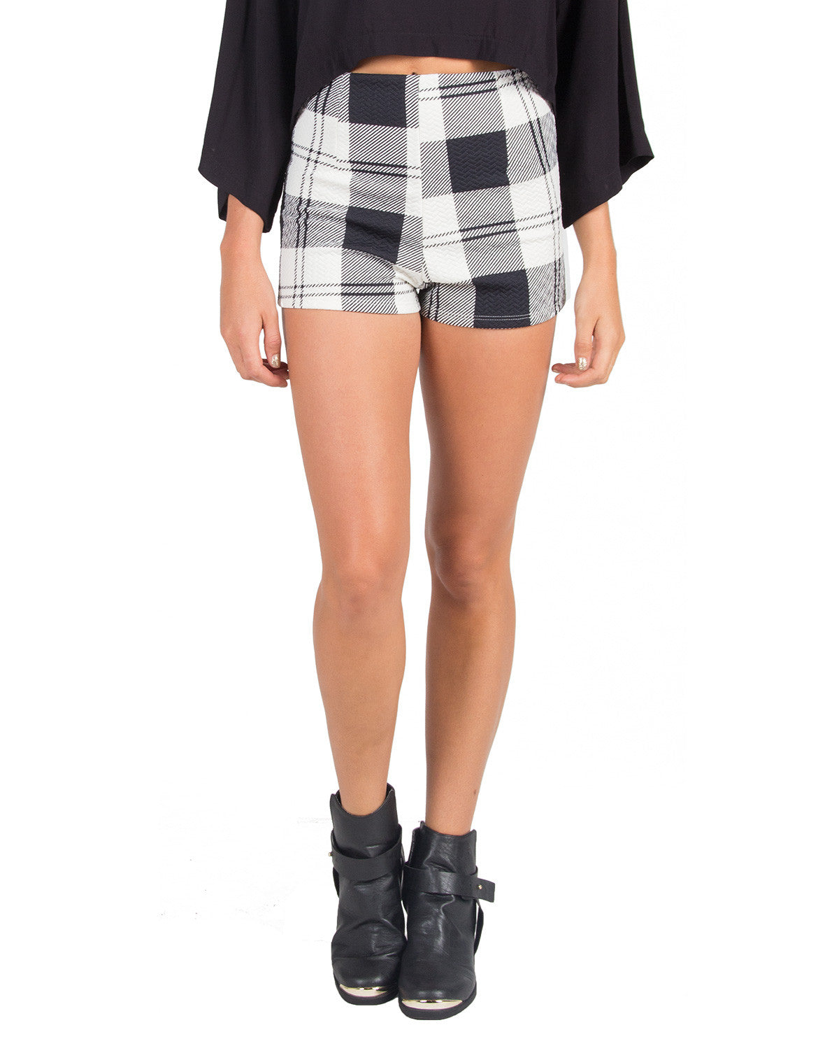 Graphic Plaid Shorts - Large - 2020AVE