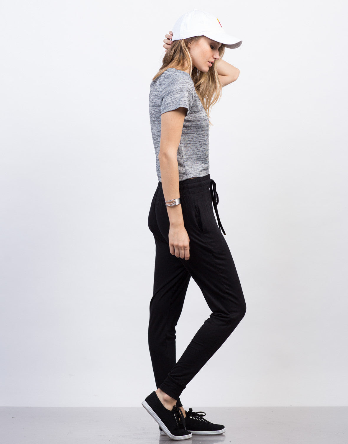 Side View of Heathered Pocket Cropped Tee