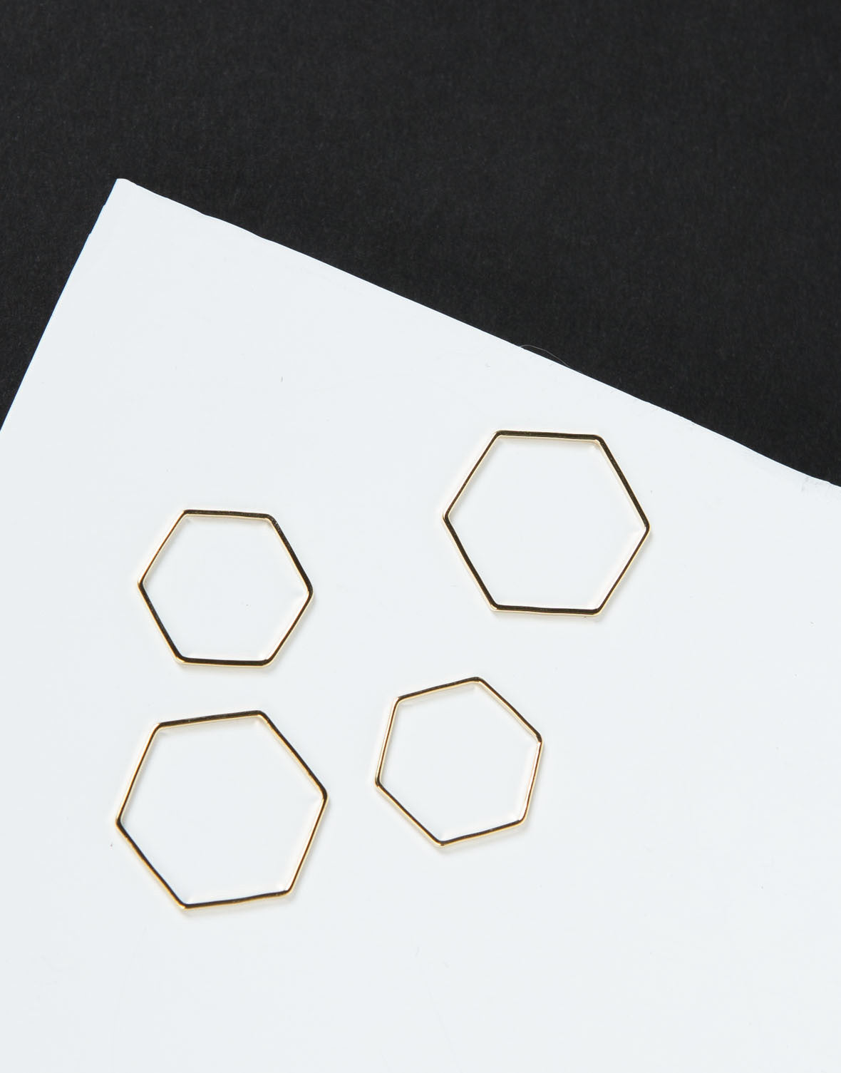 Front View of Hexagon Band Ring Set