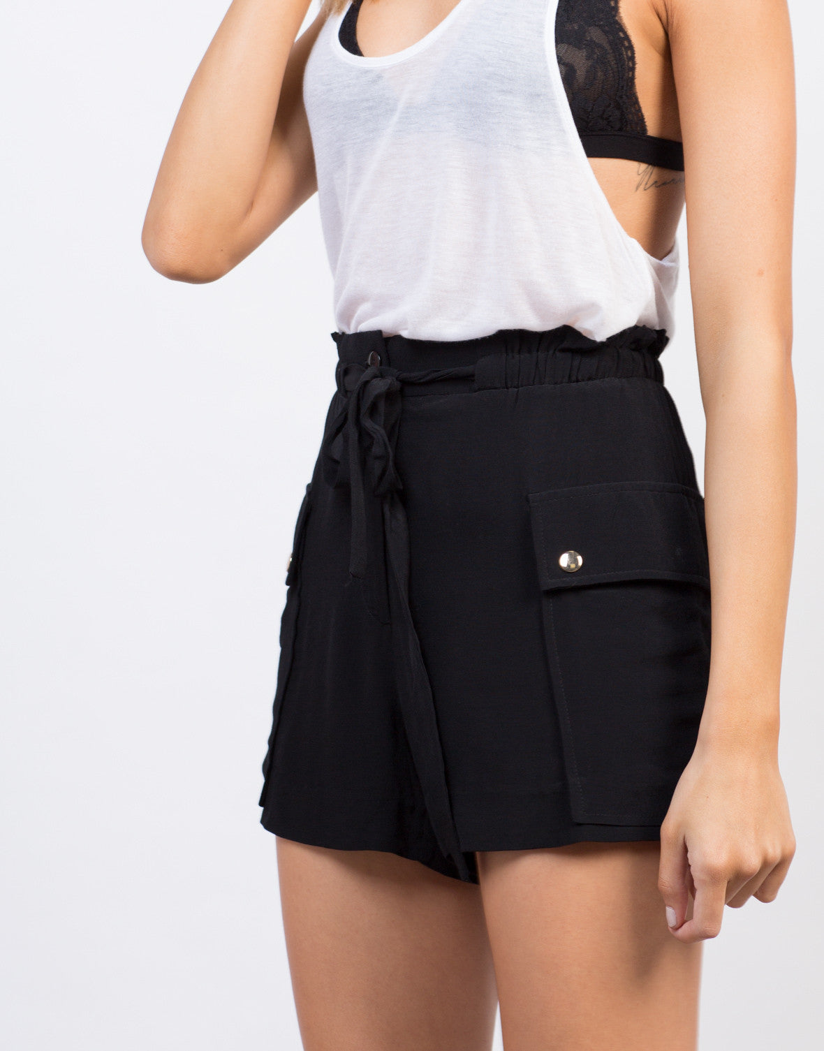 Detail of High Waisted Flowy Shorts