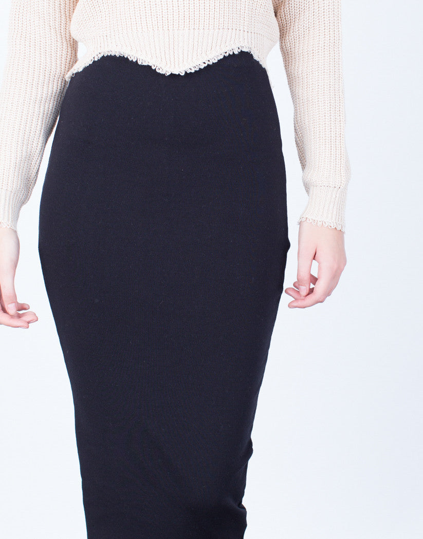 Detail of High Waisted Long Skirt
